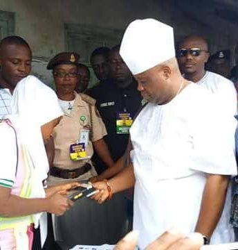 PDP Guber aspirant Ademola Adeleke cast his vote at his Ward