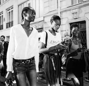 Modeling: Naomi praise black models and diversity in the industry