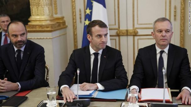 Remorseful Macron makes concessions to yellow vest protesters