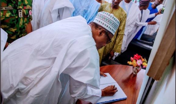 Alhaji Shehu Shagari: Buhari on a condolence visit in Sokoto
