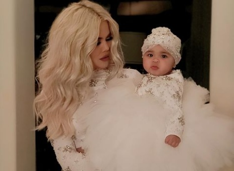 See lovely Christmas photos of Khloe Kardashian and True