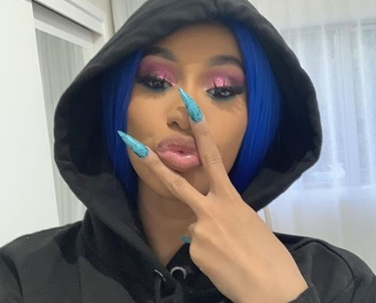 Cardi-B defends her dirty past of drugging and robbing men
