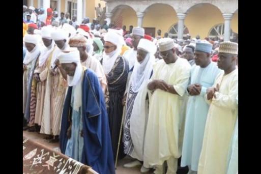 President Buhari mourns the death of Etsu Chatta Umar