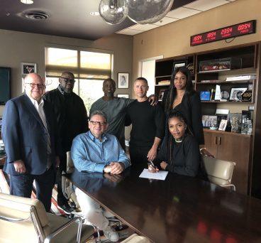 Tiwa Savage signs for Universal Music Group
