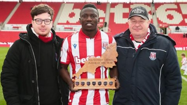 Oghenekaro Etebo wins Stoke City player of the Year