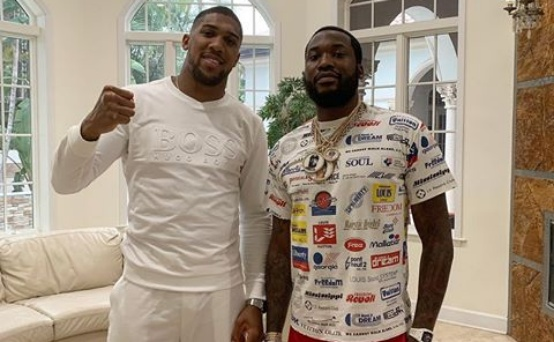 Anthony Joshua hangs out with US rapper Meek Mill
