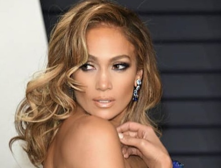 Jennifer Lopez settles IG lawsuit with photographer