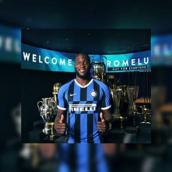 Inter Milan confirm the signing of Romelu Lukaku for £74m