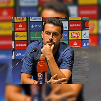 Pedro denies calling Ramos and Van Dijk best centre-backs