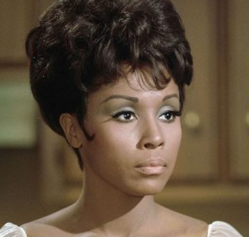 Diahann Carroll, TV trailblazer for black women, dies at 84