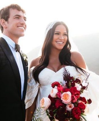 Cassie finally shares lovely wedding photos with Alex Fine