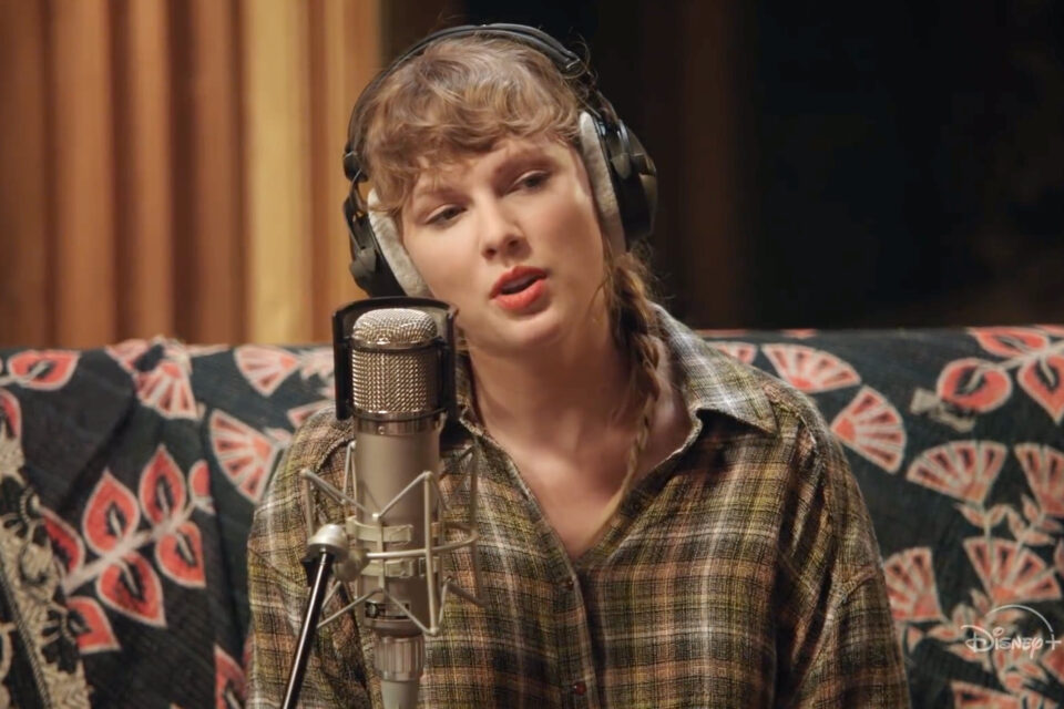 Ginny And Georgia: Taylor Swift Replies Netflix Series