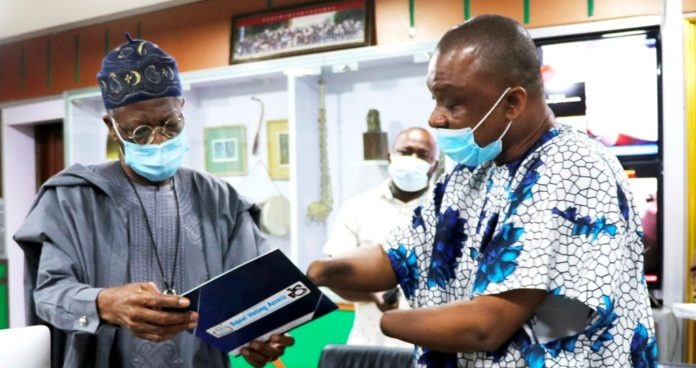 Disability: FG Calls For Sign Language Interpreters On TV