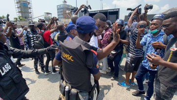 Lekki Tollgate: Police Arrest 30 Peaceful Protesters