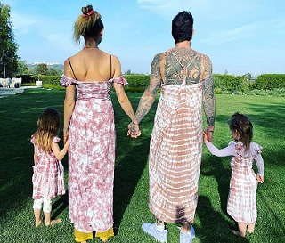 Adam Levine Wears A Dress With Wife And Daughters